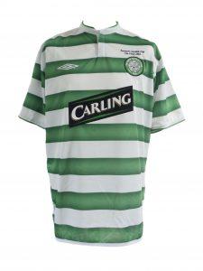 larsson-scottish-cup-final-trophy-lift-change-shirt-2004-front